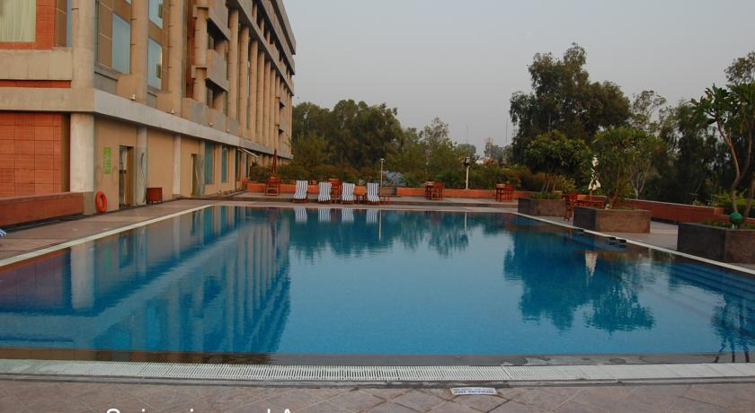 Swimming pools in chandigarh complete list with fees - Chandigarh hotel with swimming pool ...