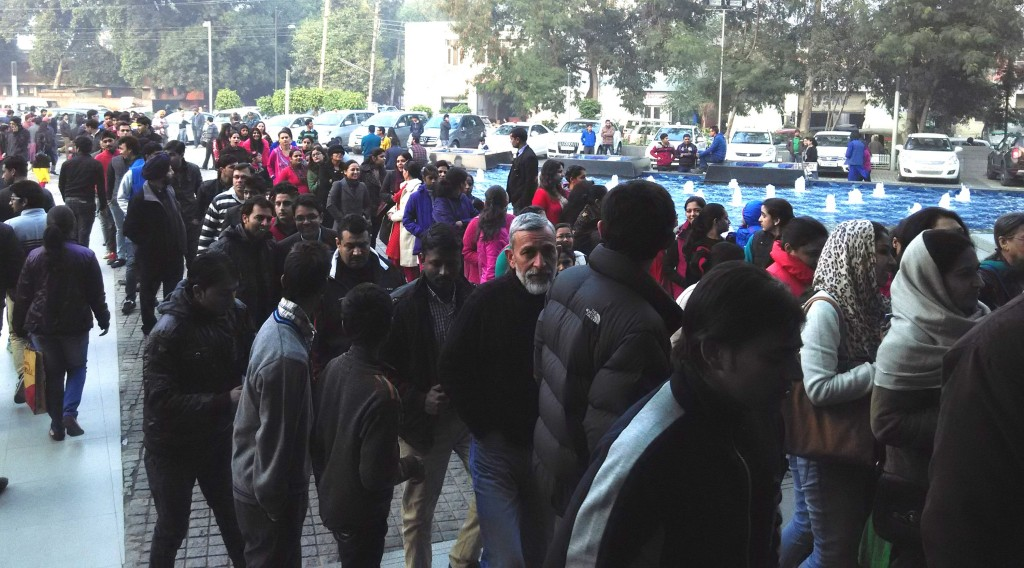 Crowd-at-elante-chandigarh