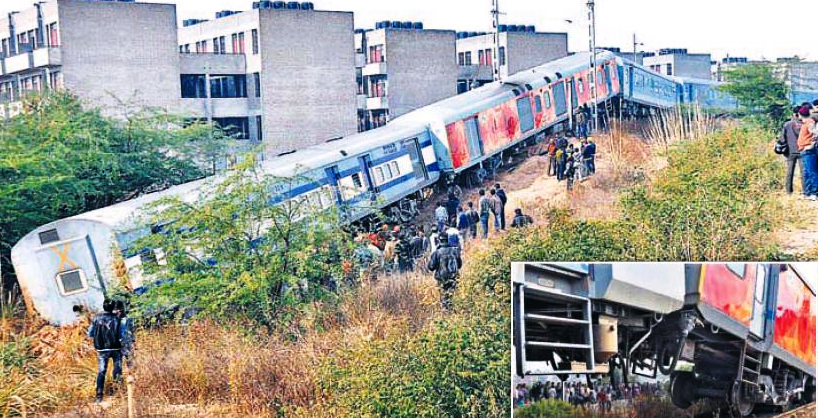 train-derails-chandigarh-railway-station