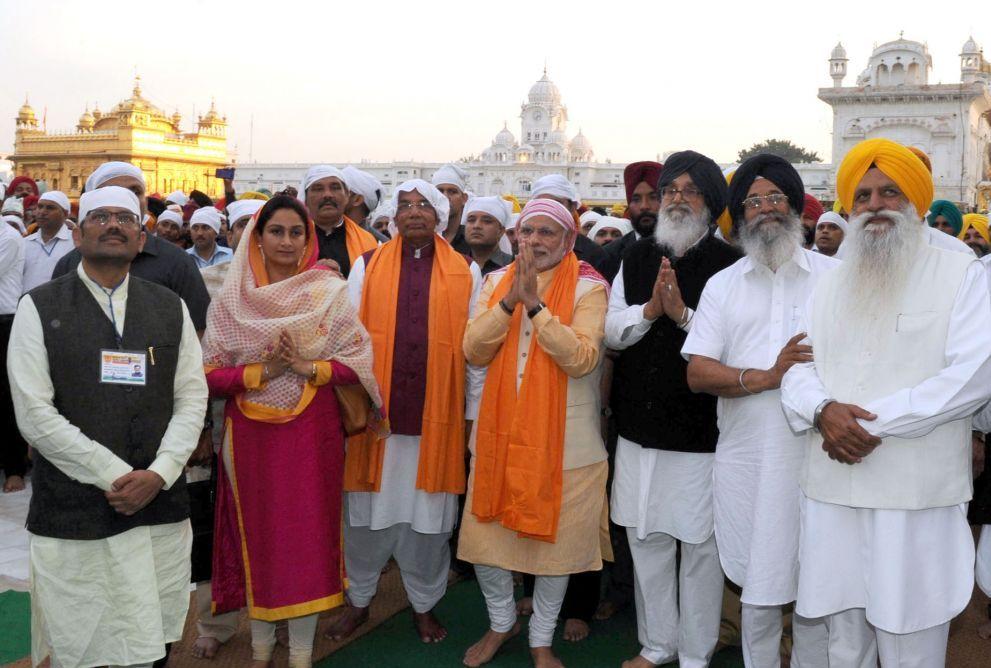 amritsar-prime-minister-narendra-modi-golden-temple