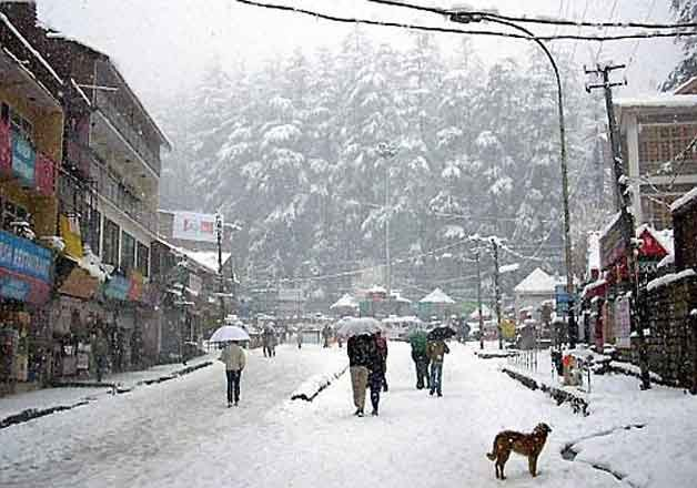 snowfall-in-manali-2016