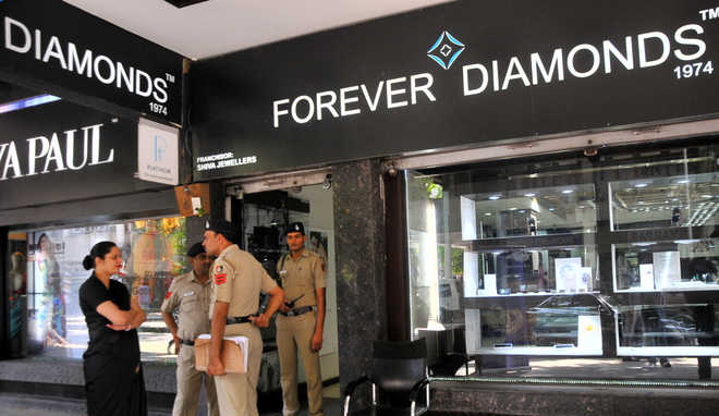 forever-diamonds-chandigarh-robbery