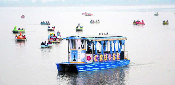 mini-cruise-sukhna-lake-chandigarh