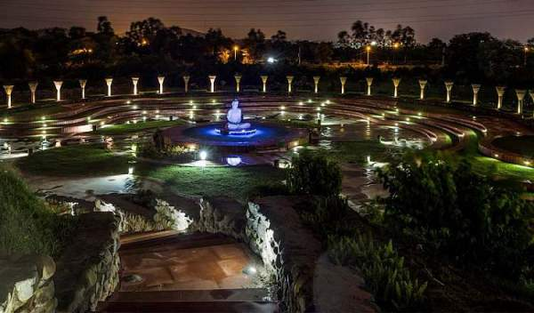 Garden-of-Silence-night-chandigarh