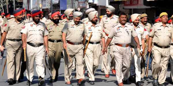 punjab-police-wearing-tight-jeans