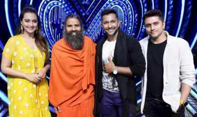 Sonakshi Sinha & Baba Ramdev Together to Judge a Bhajan Reality Show